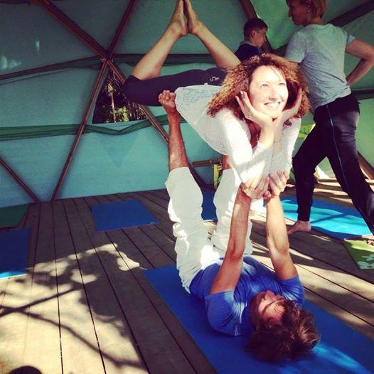 acro-yoga-pattaya